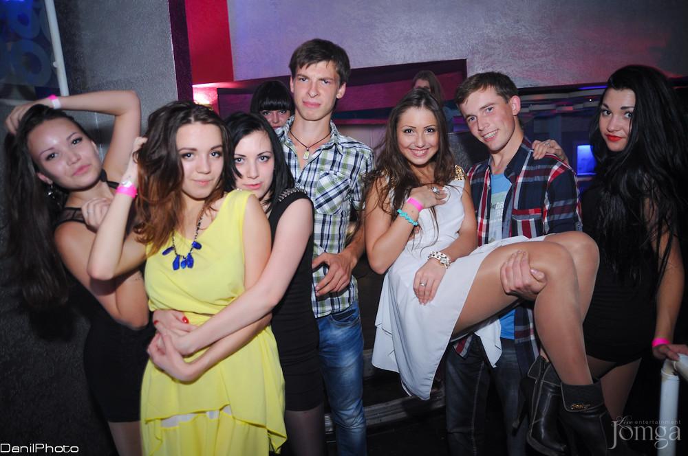 Вечеринка в закрытых клубах эротика девушки через